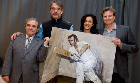 Henry Woolf, Jeremy Irons, Indira Varma and Colin Firth - holding a portrait of Harold Pinter
