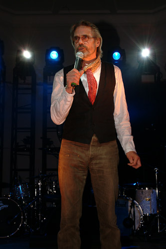 Jeremy Irons at the 2009 Sunflower Jam - Photo by Fin Costello