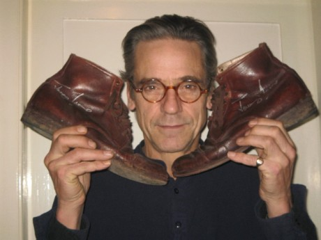 jeremy-irons-shoes